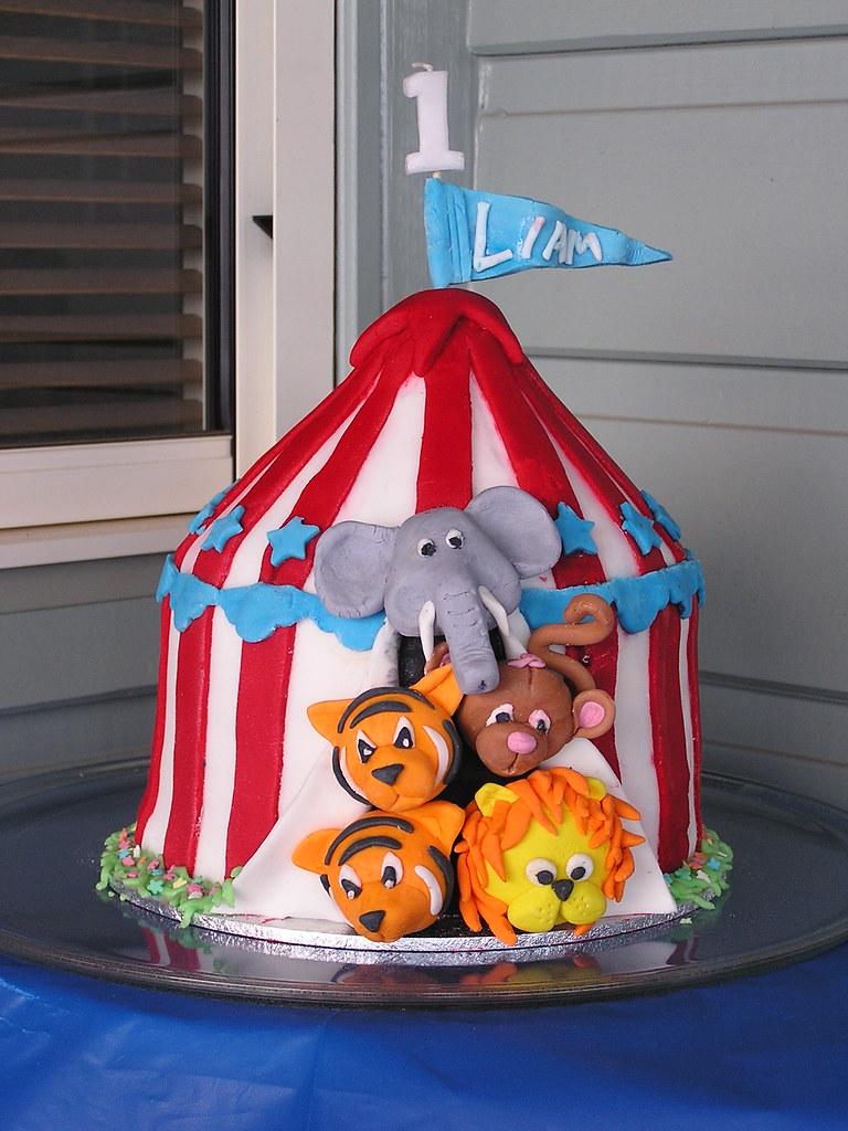 ... Circus tent 1st birthday cake | by reidymac & Circus tent 1st birthday cake | Circus tent Cake made from wu2026 | Flickr