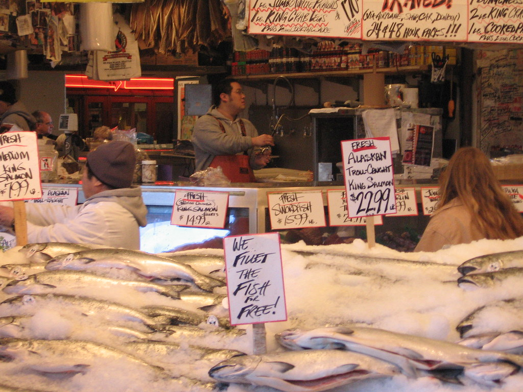 Pike place fish market home of the fish philosophy for Pike place fish