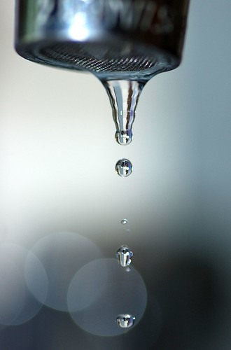 Water droplet 1 | by Herman Au - http://www.hermanau.com