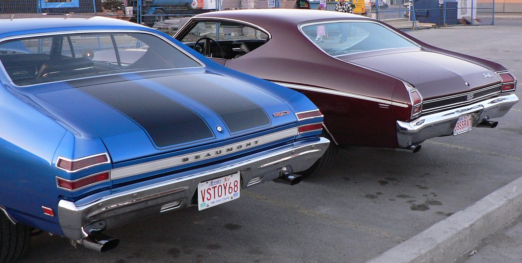 The New Chevelle >> Beaumont vs. Chevelle | 1968 Beaumont SD (parked next to a 1… | Flickr