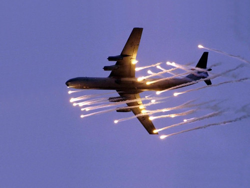 Airforce One Firing Flares Compliments Of Www Flixtrix