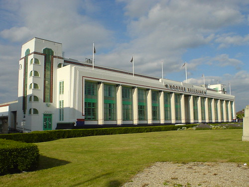 Hoover Building, Perivale | by diamond geezer