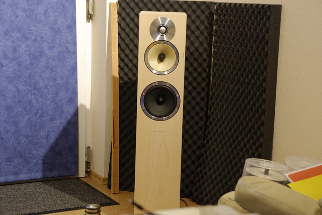 b w cm7 speakers my newest addition to my now almost comp flickr. Black Bedroom Furniture Sets. Home Design Ideas