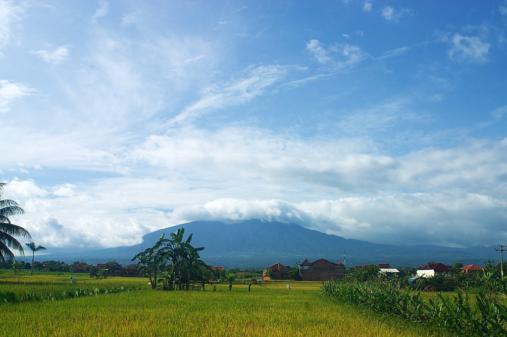 Pemandangan Gunung Salak | Adi Sujiwo | Flickr