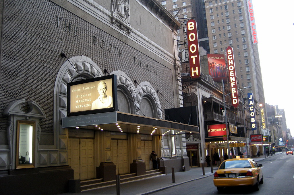 the history of theatre in new york