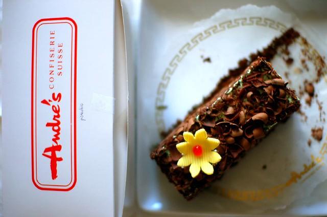 Chocolate Pistachio Cake Delivery