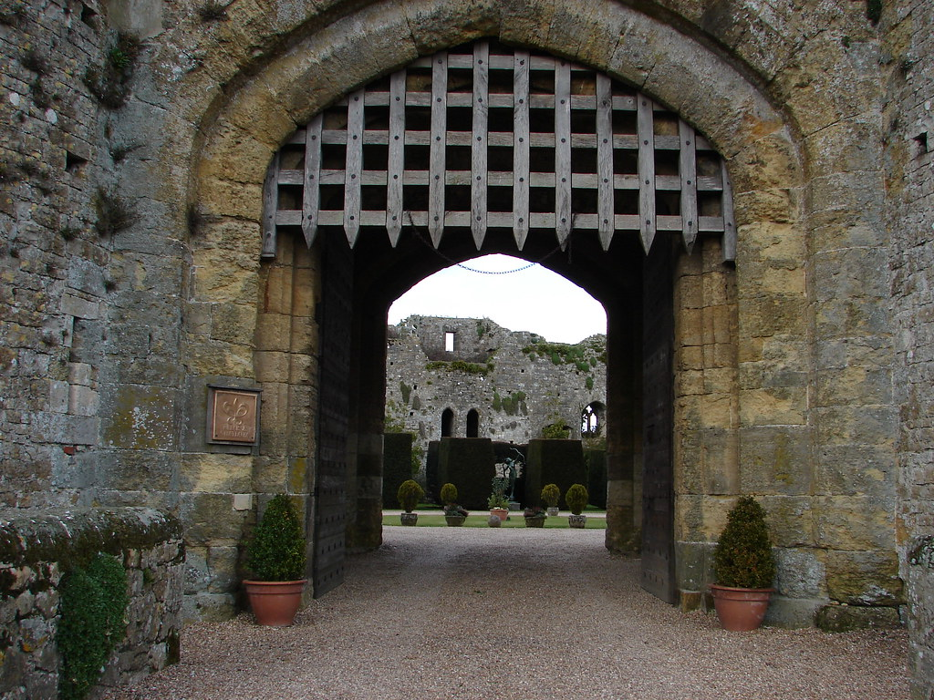 Tudor Style House Pictures Portcullis D 233 Finition What Is