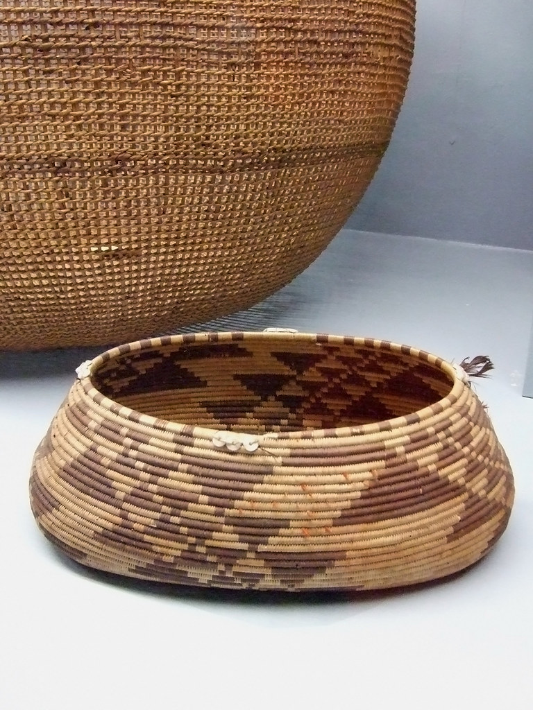Basket Weaving Tribes : Native american baskets pomo tribe northern california