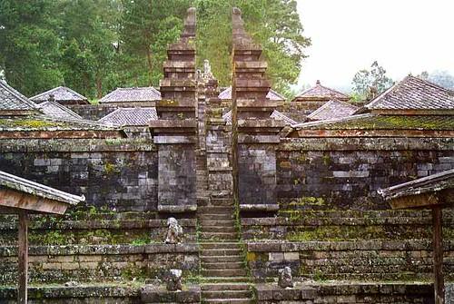 Candi Cetho Temple Candi Cetho Temple Near Solo Java Ind Nicolas Emmanuel Emile Flickr