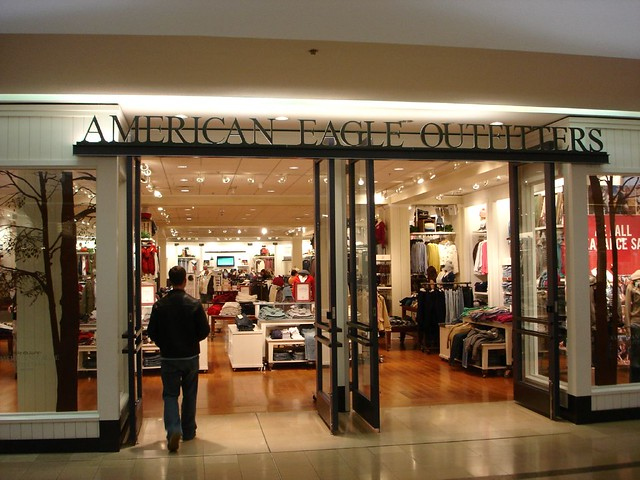 Retail Mall Storefront American Eagle