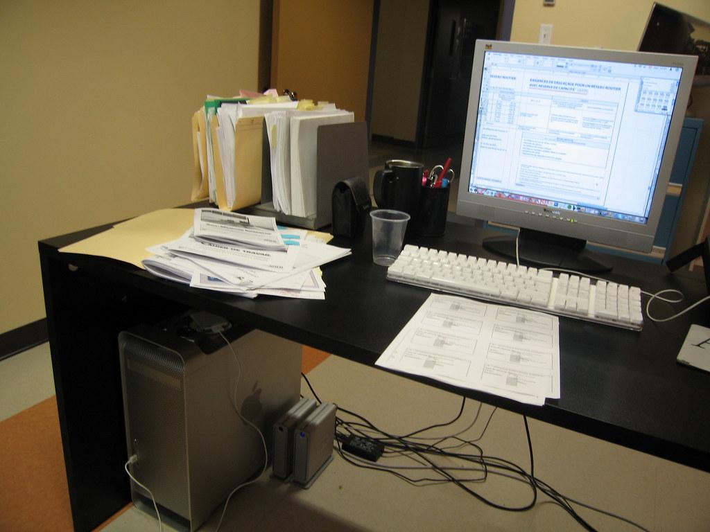 Mon bureau mon g5 bref ma job un aper u de mon bureau flickr - Comment organiser mon bureau ...