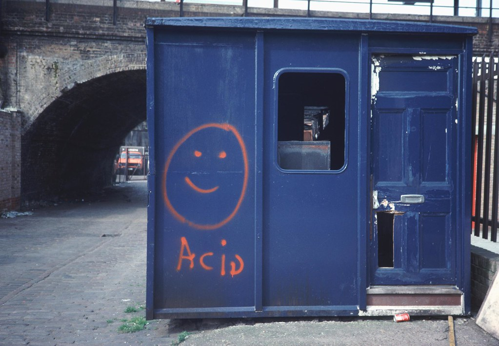 Acid house peckham se15 classic harvey ball logo for Acid house classics