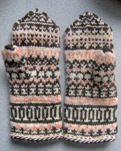 lapland mittens - fini! and BLOG | by cosymakes