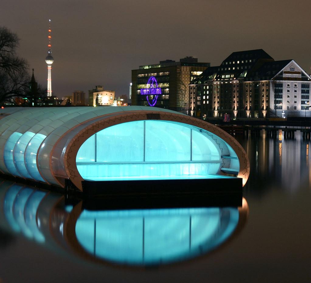 badeschiff the badeschiff in berlin treptow at night it flickr. Black Bedroom Furniture Sets. Home Design Ideas