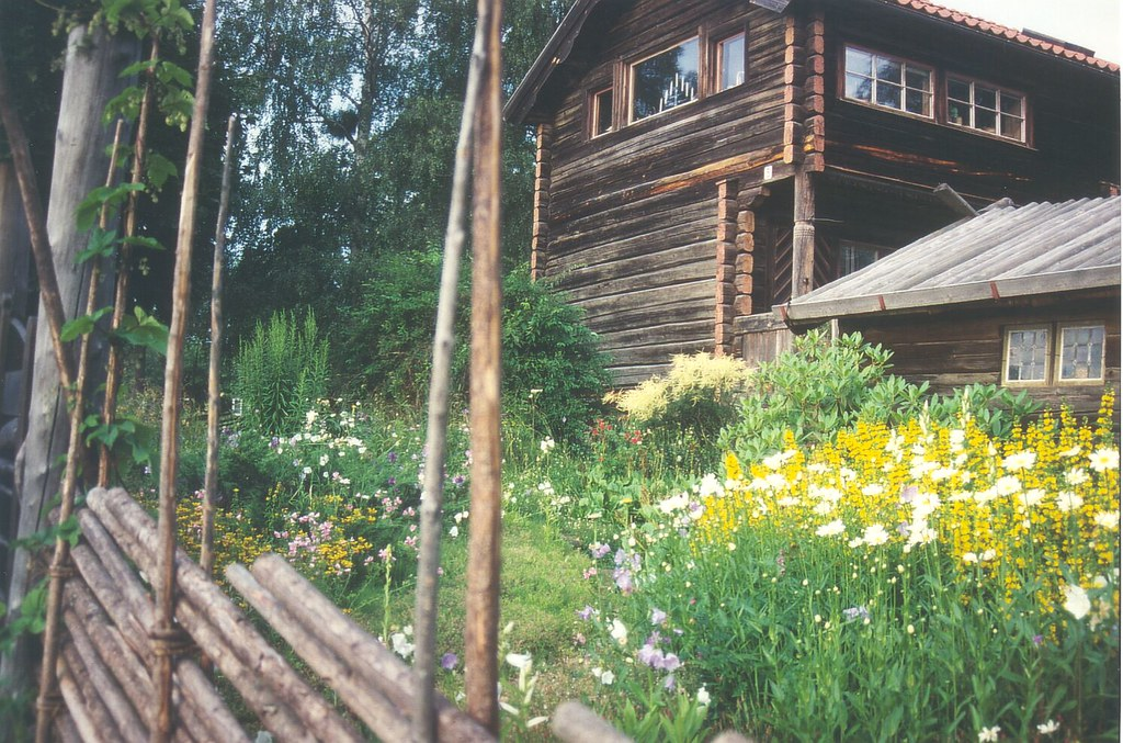 Haus Mit Blumen Zaun Peter Tandler Flickr