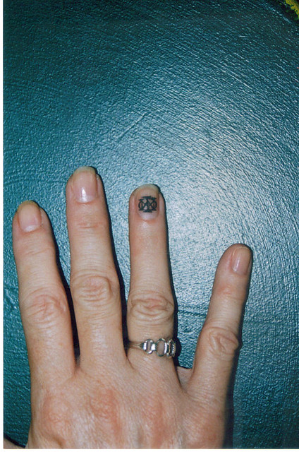 Female ,fingernail Custom Tattoo(well