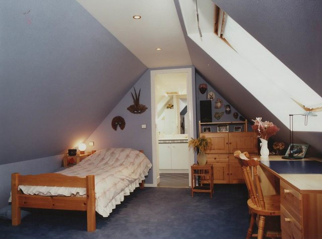 attic light blue bedroom chambre dans les combles id es flickr. Black Bedroom Furniture Sets. Home Design Ideas