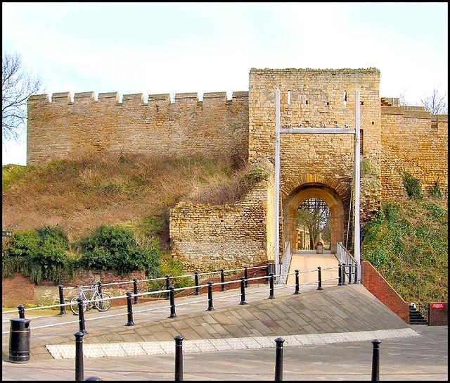 west gate  lincoln castle