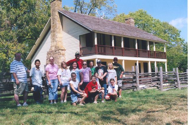 Noel history club at historic elkhorn tavern the club for Club piscine repentigny noel
