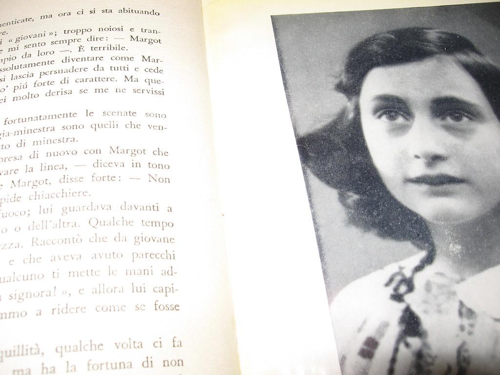Risultati immagini per foto del diario di anna frank