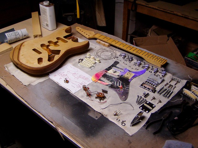 Refinish Solid Body Electric Guitar With Enamel Paint