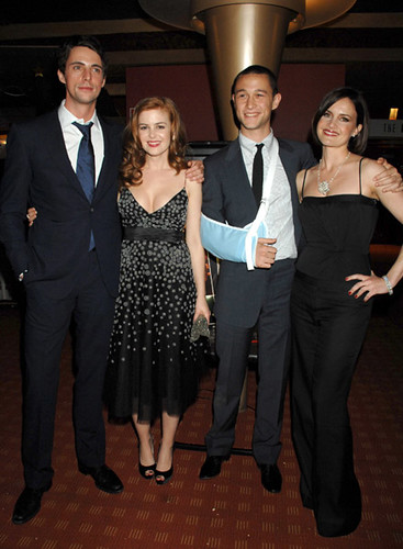 Matthew Goode, Isla Fisher, Joseph Gordon-Levitt and Carla ...
