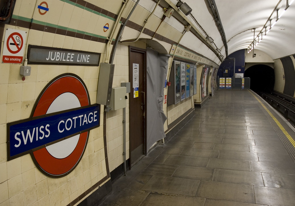 Swiss Cottage Tube The Southbound Jubilee Line Platform