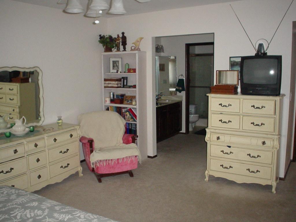 redmon master bedroom from bed brandon willey flickr redmon27 by bwilley redmon27 by bwilley