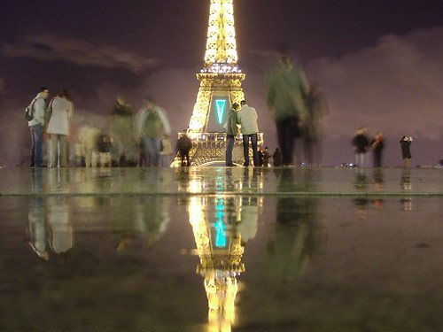 paris in the rain even the rain couldn 39 t keep couples away flickr. Black Bedroom Furniture Sets. Home Design Ideas
