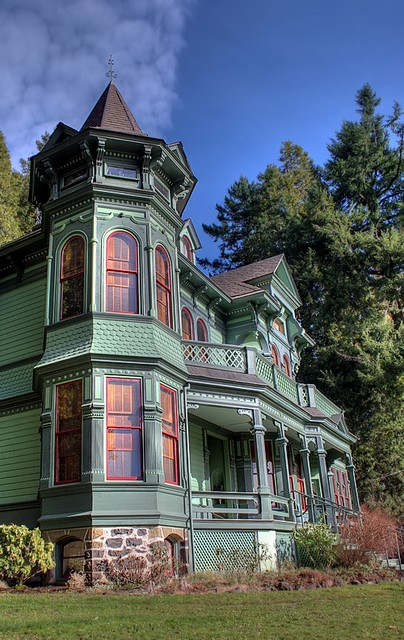 Victorian iii victorian style home in eugene oregon 3 for New victorian style homes