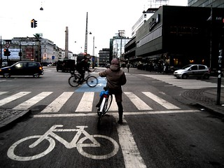 Bicycle Intersection in Copenhagen | by Mikael Colville-Andersen
