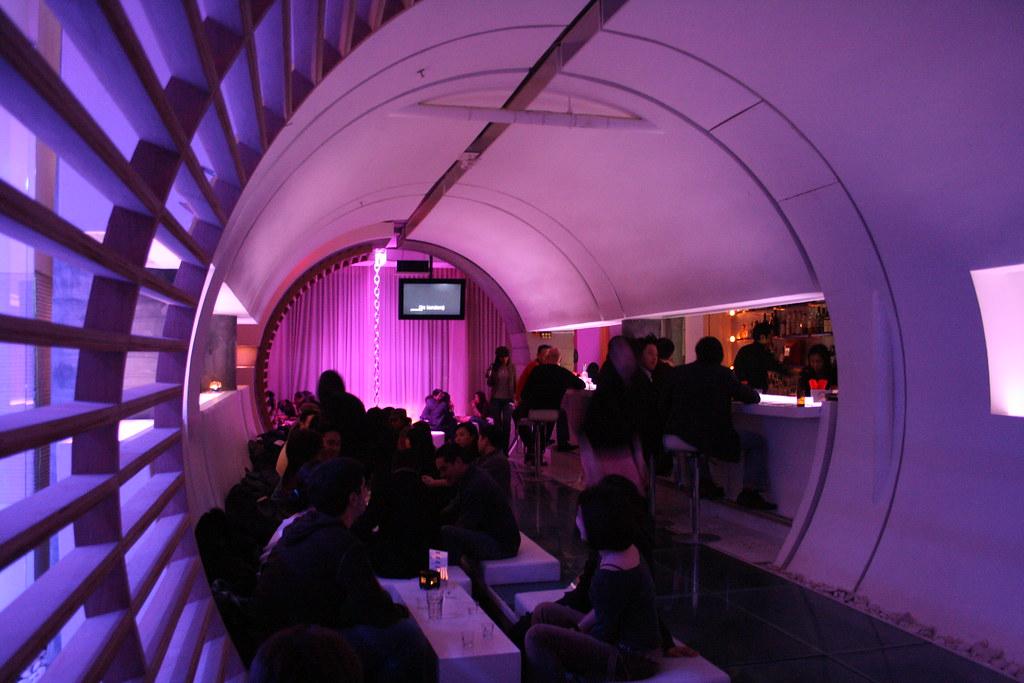 Maru bar inside this korean bar and restaurant 3rd floor flickr for Deco lounge bar restaurant