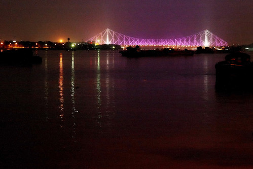 Howrah Bridge, Kolkata, West Bengal | by Dilip Muralidaran