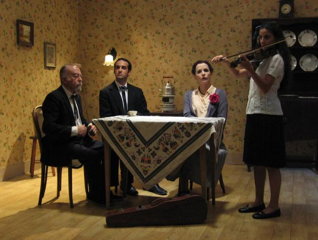 setting in the metamorphosis Learn the major plot points and story structure of the metamorphosis by franz  kafka.