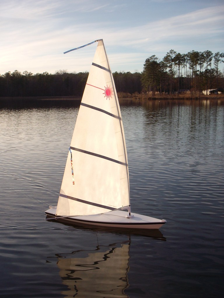 Rc Laser Sailing In Al Sailing My Rc Laser On Lay Lake