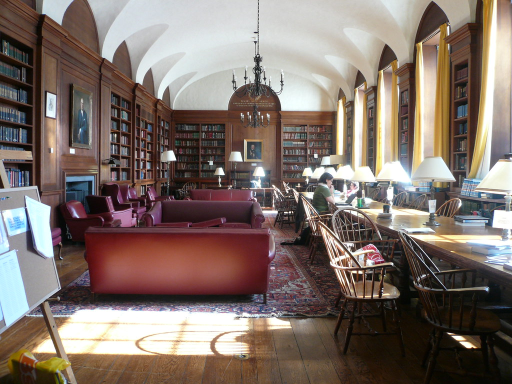 Adams House Library, Harvard | Library of Adams House, the