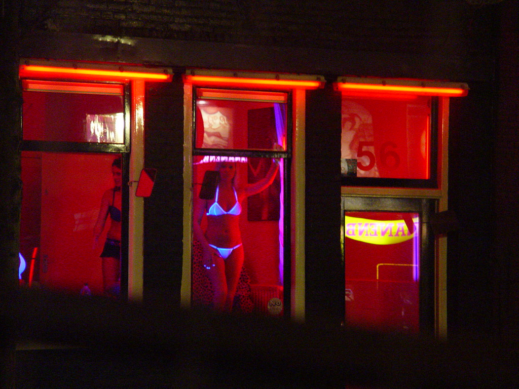 Red light district amsterdam cum swapping old fella - 1 part 7