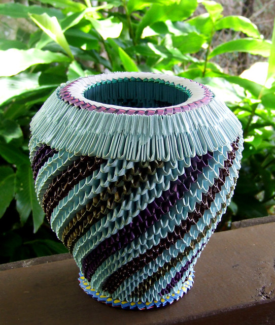 Saipan prison art vessel a vessel made of folded for Handicraft made by waste material