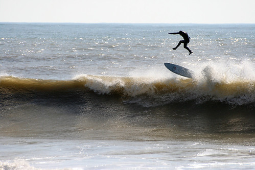 Surfing at Freshwater Bay, Isle of Wight. Gravity | by s0ulsurfing