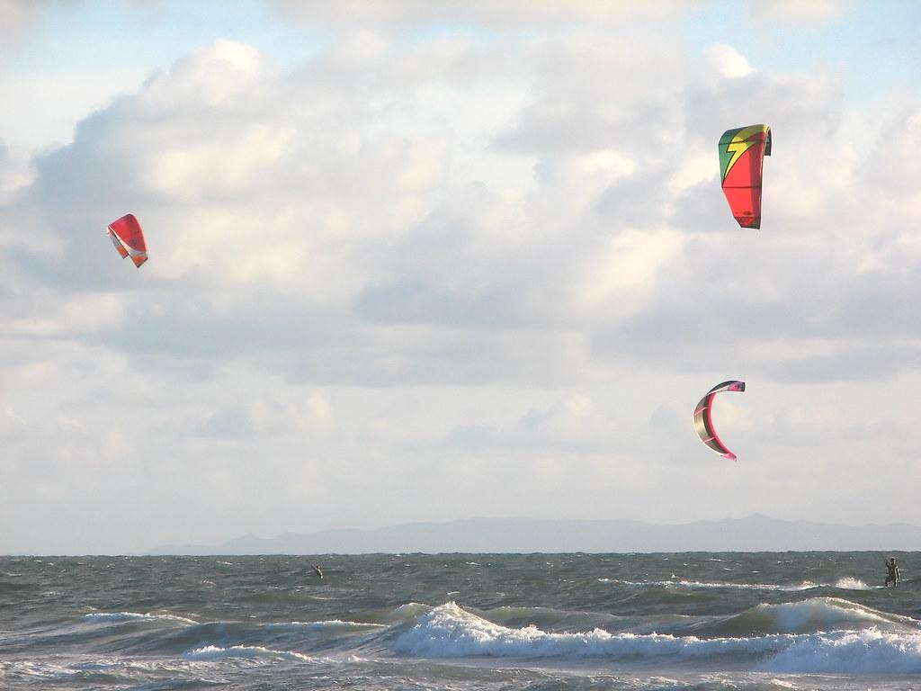 Kite surfing 2 27 07 santa monica ca these guys were for Cox paint santa monica