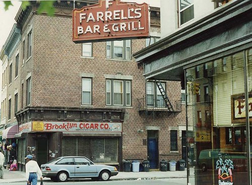 "Farrell's Bar across from filming location ""Smoke"" (1995 ..."