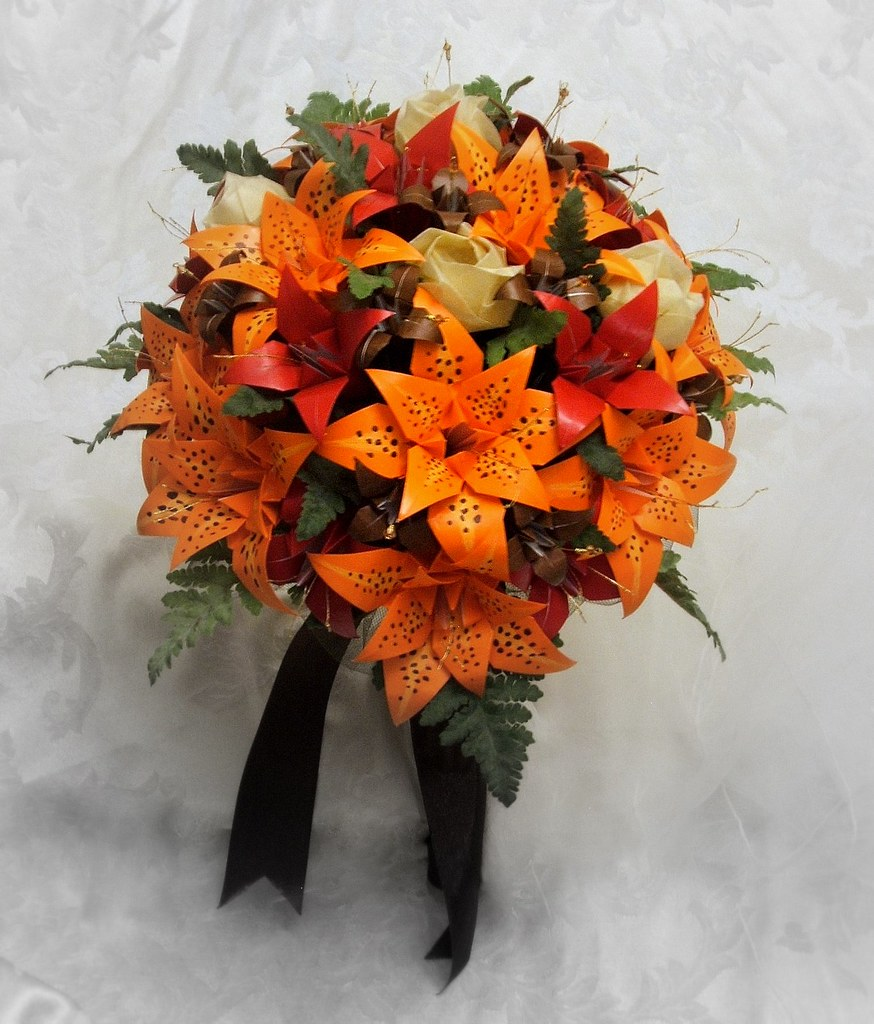 tiger lily bouquets weddings autumn teardrop bridal bouquet origami tiger lilies 8007