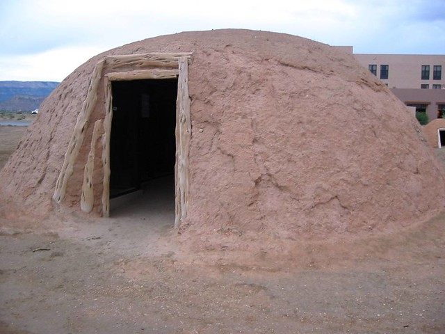 American Indian's History and Photographs: About the Navajo Huts ...