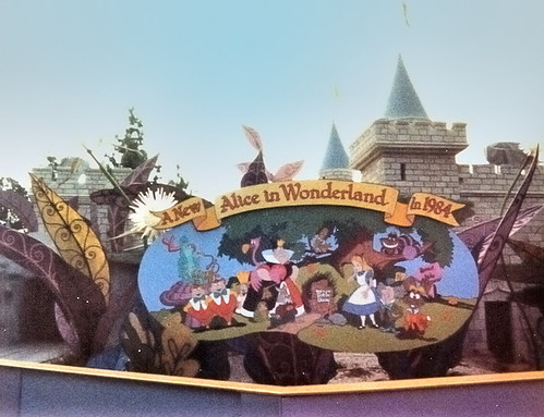 Alice in wonderland - 3 9