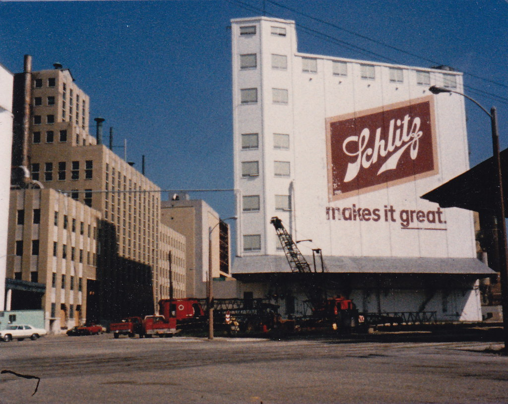 Schlitz Brewery Milwaukee | I took this picture in 1986 ...