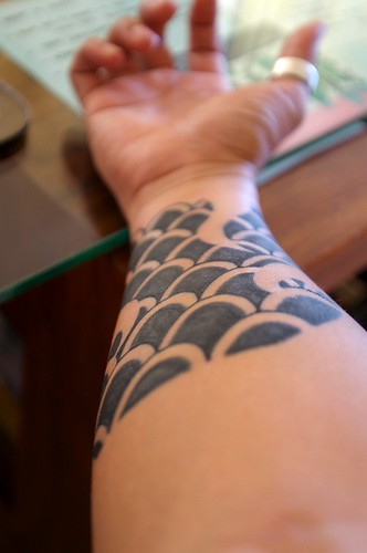 Scales tattoo from hawaii scales tattoo from hawaii for Fish scale tattoo