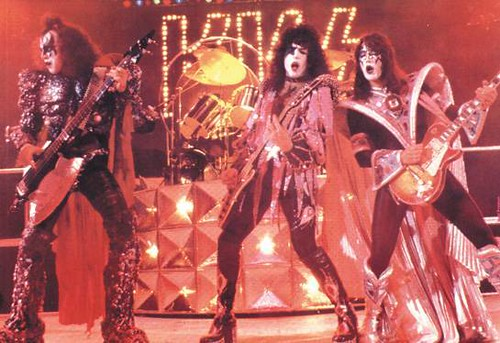 Kiss - I Was Made For Lovin' You / Charisma