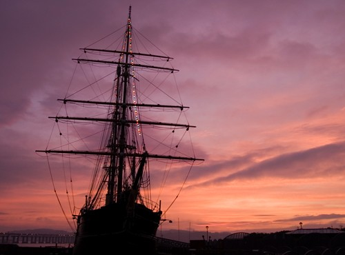 Dundee ship Discovery in Pink Glow | Dundee ship Discovery ...
