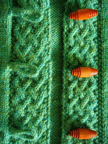 A cardigan for Merry - cable and toggle close-up | by Anny Purls