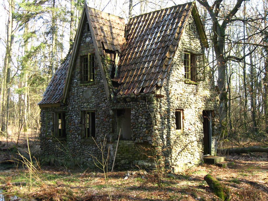 Stone house in the forrest of denmark the story of this for Tiny stone cottage